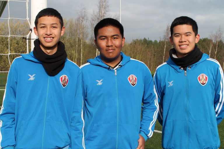 Insight Into English Football For Thai Teenagers